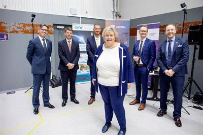 Project partners present the solution to the Norwegian Prime Minister